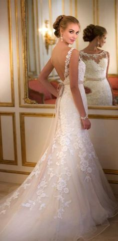 Weddings 2016 Romantic Mermaid Wedding Dresses Off the Shoulder Scoop Applique Backless White Lace Court Trian Bridal Gowns