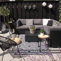 Patio Style– Expanding Your Residence Outdoors – Outdoor Patio Decor Outdoor Rooms, Outdoor Furniture Sets, Outdoor Living, Rattan Garden Furniture, Balkon Design, Outdoor Carpet, Budget Patio, Backyard Patio, Small Backyard Decks