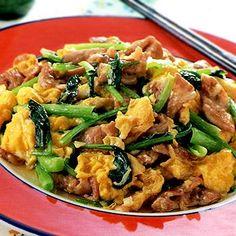 レタスクラブの簡単料理レシピ ふんわり卵が決め手です。ご飯が進む、栄養満点炒め「豚肉と小松菜の卵炒め」のレシピです。