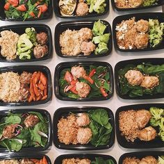 Photogenic, mouth-watering meal preps by @missfitizen! Turkey meatballs with veggies? You can never go wrong with the combination! - Learn how to define your goals and make the best meal combinations to see results by downloading @mealplanmagic!