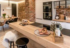 Kitchen Sets, New Kitchen, Dining Room Design, Interior Design Kitchen, Rustic Kitchen, Kitchen Decor, Dream Home Design, House Design, Rustic Home Interiors