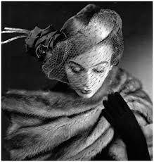 Sophie Malgat, 1950s Vintage Hats, Vintage Vogue, Vintage Glamour, Vintage Beauty, Vintage Ladies, Vintage Outfits, Fashion Hats, Cheap Fashion, 1950s Fashion