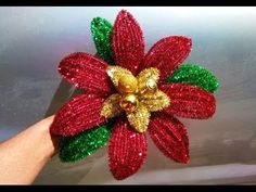 Beatriz Elena Bolivar Ortiz shared a video Twine Flowers, Diy Flowers, Fabric Flowers, Paper Flowers, Christmas Angel Ornaments, Christmas Lanterns, Christmas Crafts, Christmas Decorations, Mexican Christmas Traditions