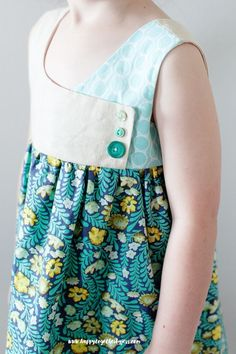 Free Girls Dress Pattern: The August Dress Pattern Sizes 2-9   -- SUPER Cute Bodice!!...