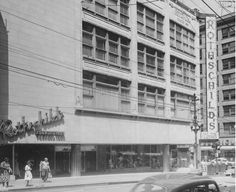 Rothchilds Department Store, 10th & Main 1950 Kansas City Downtown, Kansas City Shopping, Kansas City Missouri, The Places Youll Go, Great Places, Central Business District, Local Events, City Architecture, City Streets