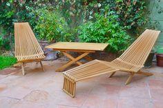 Terreza de madera nativa coihue. Barnizada para exterior. #ChairMadera Diy Furniture Upholstery, Plywood Furniture, Furniture Projects, Wood Projects, Furniture Design, Wood Patio Chairs, Wood Adirondack Chairs, Outdoor Chairs, Woodworking Enthusiasts