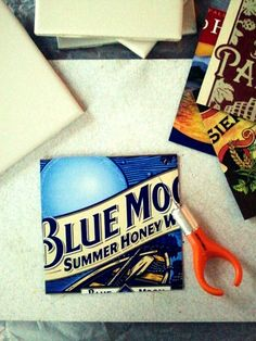 DIY coasters from paperboard (chipboard), ceramic tiles and felt.