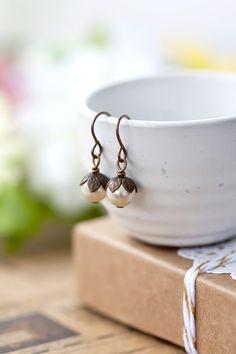 Vintage Style Swarovski Cream Pearl Earrings by MeMadeJewels
