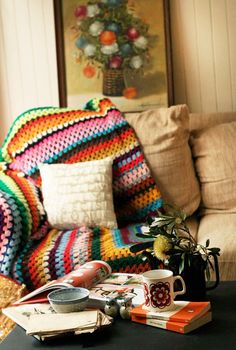 comtesse-du-chocolat:  Warming up to autumn afternoons… with blankets, good books and coffee! (source: pinterest.com)