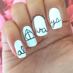 These 20 Examples of Harry Potter Nail Art Deserve All The Points | Playbuzz