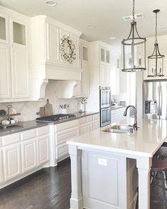 Smart Kitchen Lighting Ideas that Worth to Try – Sjoystudios - Kitchen - Best Kitchen Decor! Home, Kitchen Island Lighting, Kitchen Lighting Design, Kitchen Remodel, New Homes, White Kitchen Lighting, Home Kitchens, Farmhouse Kitchen, Kitchen Design