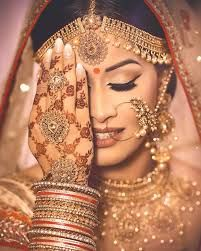 Real Brides Wearing The Most Gorgeous Naths At Their Wedding! Bridal Makeup Looks, Indian Bridal Makeup, Indian Bridal Jewelry, Bridal Poses, Bridal Photoshoot, Bridal Jewellery Inspiration, Wedding Inspiration, Indian Wedding Bride, Wedding Veils