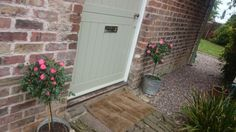 Country cottage roses farrow and ball french grey