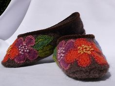 Marta McCall's Ballet Flats from Knitted Gifts Book by Ann Budd by TinkkniT.com, via Flickr