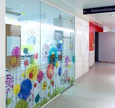 Wand- und Deckengestaltung Intensivstation für Kinder und Jugendliche / Neonatologie, LKH Leoben Kids Store, Divider, Space, Room, Furniture, Design, Home Decor, Intensive Care Unit, Young Adults
