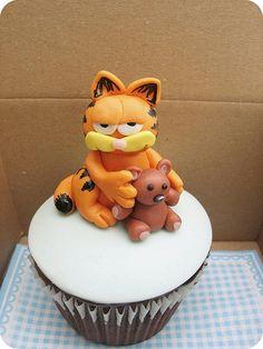 Garfield cupcake by Maria Olejniczak, via Flickr