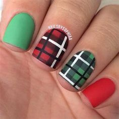 #green #red #plaid #nailart #holidaynails