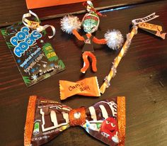 Cheer candy gifts. You rock pop rocks, Pixie stix spirit stix, blow pop cheerleader, bow m&m's Cheerleading Snacks, Cheer Snacks, Cheer Treats, Cheerleading Spirit Gifts, Cheer Spirit, Cheerleader Gift, Cheer Gift Bags, Cheer Sister Gifts, Cheer Coach Gifts