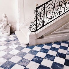 "foreverchampagneiglikes:"" Cleaning out the ridiculous amount of photos on my phone & found so many gems I never posted like this shot from Château de Villandry in Loire Valley this past summer. Talk about a stunning floor & railing combo Exterior Design, Interior And Exterior, Interior Ideas, Château De Villandry, Loire Valley, Welcome To My House, France, Stairways, Architecture Details"