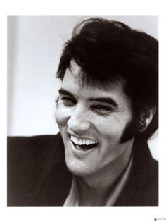 Probably my all-time favorite photo of Elvis. I'm sure there are others....who am I kidding? LOL!
