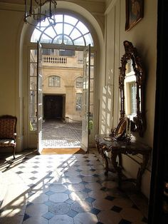 entrance, arched window,