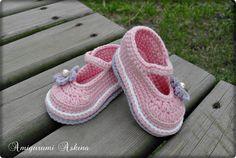 Amigurumi Aşkına Örgü Oyuncaklarım: Pembe Bebek Ayakkabıları-Tığ işi Bebek Ayakkabısı