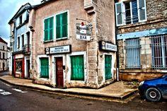 Ancien bar - Ravière (Yonne)