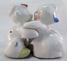 Vintage Van Tellingen Dutch Hugs & Kissing Salt & Pepper Shakers *
