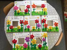 Idées Inspiration fête de mère 2019 : This Pin was discovered by Csilla Tüzes-Bölöni. Discover (and save! Craft Stick Crafts, Crafts To Do, Preschool Crafts, Diy Crafts For Kids, Craft Gifts, Diy Gifts, Art For Kids, Crafts Toddlers, Mothers Day Crafts
