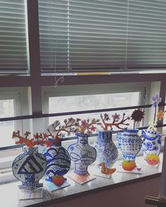 Ming Dynasty vase project - Quick, Easy, Cheap and Free DIY Crafts Kids Art Class, Art For Kids, 7 Arts, Art History Lessons, 2nd Grade Art, School Art Projects, Kindergarten Art, Middle School Art, Art Lessons Elementary
