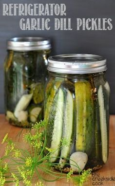 Super crunchy, super tasty, super easy - what more can you ask for in a pickle? Refrigerator Garlic Dill Pickles | The Creekside Cook