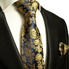 Paul Malone Necktie, Pocket Square and Cufflinks Silk Navy Gold This elegant Paul Malone Silk Necktie is Hand Made from pure Silk This Necktie Set Gentleman Mode, Gentleman Style, Sharp Dressed Man, Well Dressed Men, Fashion Moda, Mens Fashion, Fashion Trends, Fashion Hub, Fashion Menswear