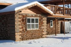 cordwood construction | You can see the cordwood construction well. The sun was full on ...