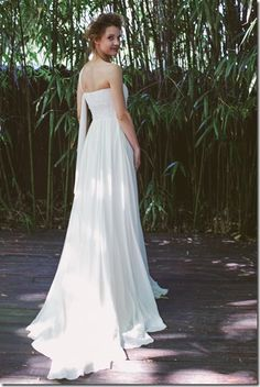Photography: Les Amis Photo Styling & Design: Fatamadrina Floral Design: Il Profumo dei Fiori Stationary: Cut and Paste Lab Wedding Dress: Couture Hayez Hair & Makeup: Organic Brides Location : Shambala Restaurant