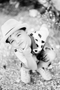 kid photography...for Talani. Love black and whites !