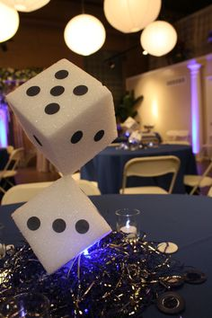Inexpensive centerpiece idea for your next casino themed party