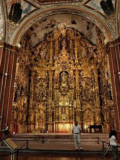 The mind-boggling baroque altar of the convent at Tepozotlan, #Mexico.