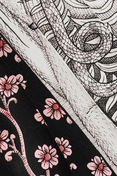 Gucci - Pleated Printed Silk Crepe De Chine Midi Skirt - Gray - IT48