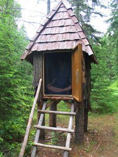Google Image Result for http://www.humuh.org/centers_skycliffe/skycliffe_experience/images/meditation_hut.jpg