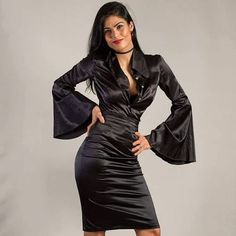 "dress designer op Instagram: ""#satin #silkdress"" Latex Mini Skirt, Satin Pencil Skirt, Satin Cami Dress, Black Satin Dress, Satin Gown, Satin Skirt, Silk Dress, Silk Satin, Sexy Blouse"