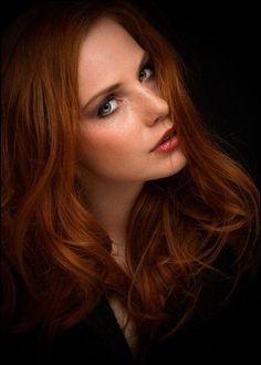 Redhead twink elijah beats off