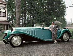 Date Jean Bugatti with the Bugatti Royale 'Esders' Roadster. Jaw-Dropping Rare Photos Of Amazing People In History Bugatti Royale, Retro Cars, Vintage Cars, Antique Cars, 1959 Cadillac, Bugatti Cars, Bugatti Models, Bugatti Veyron, Rare Photos