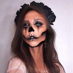 ☠HALLOWEEN CLASSIC LOOK☠ MAC ingredients- mineralize skinfinish dark DEEPEST MAC Eye Shadow x 15 Warm Neutral, eyeshadow black tied,  eyeliner BLACKTRACK, Studio Eye Gloss in Medoc  #halloweencostume  #halloween #halloweenmakeup #beauty #SONYAMIRO #maccosmetics #beautyblog #makeup #makeupartist #makeuptutorial #moskow #moscowcity #hudabeauty #vegasnay #facechart #москва #визажист #макияж #sonyamiroselfie #eyeliner #halloweenmakeupideas  LIGHT by @johny_wood