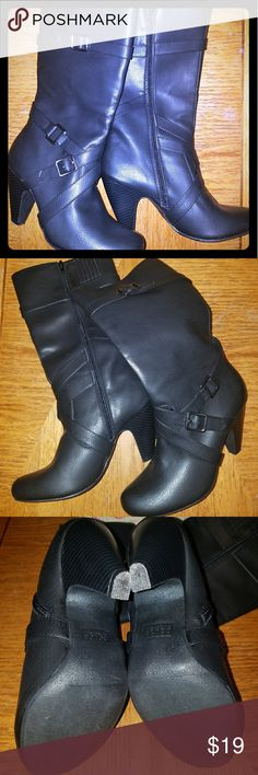"Mojo moxie dolce Natasha heeled mid calf boot Cute boot! Synthetic 3.75"" heel, black leather look, worn once but looks new! Round toe Mojo Moxy Shoes Heeled Boots"
