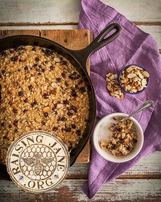 Toasted Almond & coconut Baked Oatmeal Prep Time: 15 Minutes Cook Time: 40-45 Minutes Makes: 8-10 Servings