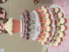 Minnie Mouse Treat Tower ~ Colossal Cupcake, Brownie Pops, & Minnie Mouse Cupcakes