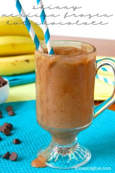 Skinny Mexican Frozen Hot Chocolate that is easy to make, delicious, and super low calorie & healthy! via www.wineandglue.com