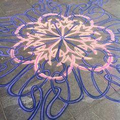 Started at Washington sq    Follow me on Facebook http://www.facebook.com/joe.mangrum.art When sharing please include my links Ⓒ 1994-2014 Joe Mangrum http://www.joemangrum.com #sandart #sandpainting #NYC @joemangrum #colorful #art #streetart #art #streetlife