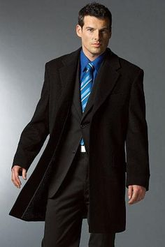 Мужские пальто и плащи
