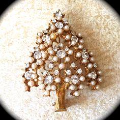 Vintage Pearl Christmas Tree Brooch by JNPVintageJewelry on Etsy